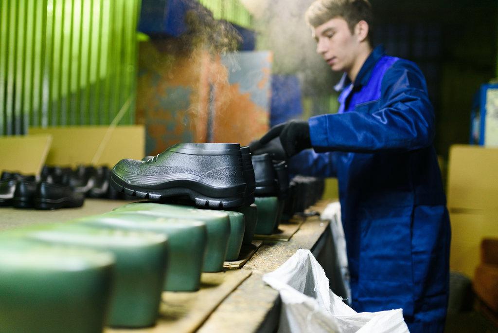 Производство резиновой обуви